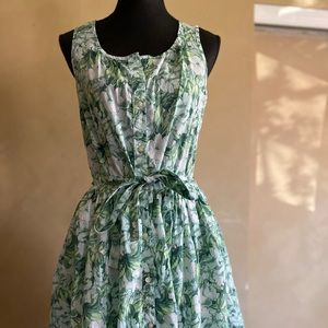 Very cute green floral retro inspired spring dress